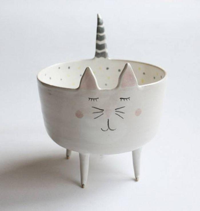 Сказочная посуда: кото-чашки и зайце-тарелки