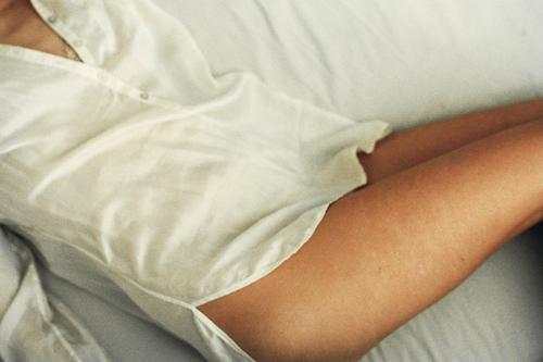 Девушка в халате без лица — photo 9
