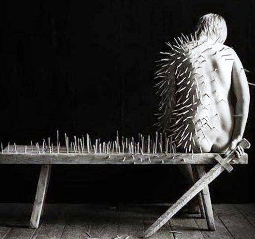 Как часто самые достойные из нас выбирают одиночество. Они ищут только «своих» людей...