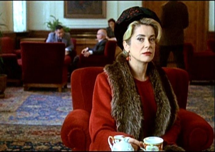 7 самых ярких кинообразов Катрин Денев