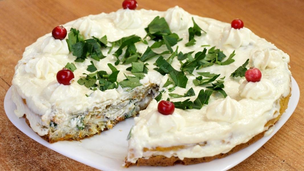 Грибной бисквитный торт с сырным кремом - видео рецепт