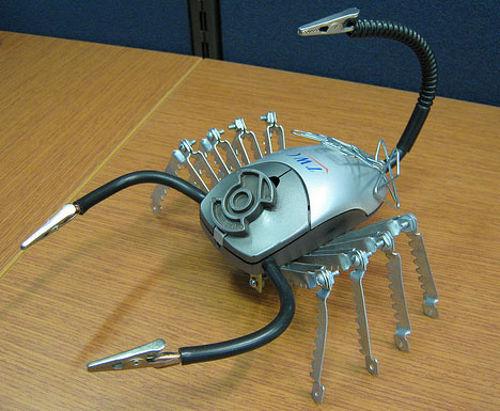 Скорпион из компьютерных мышек
