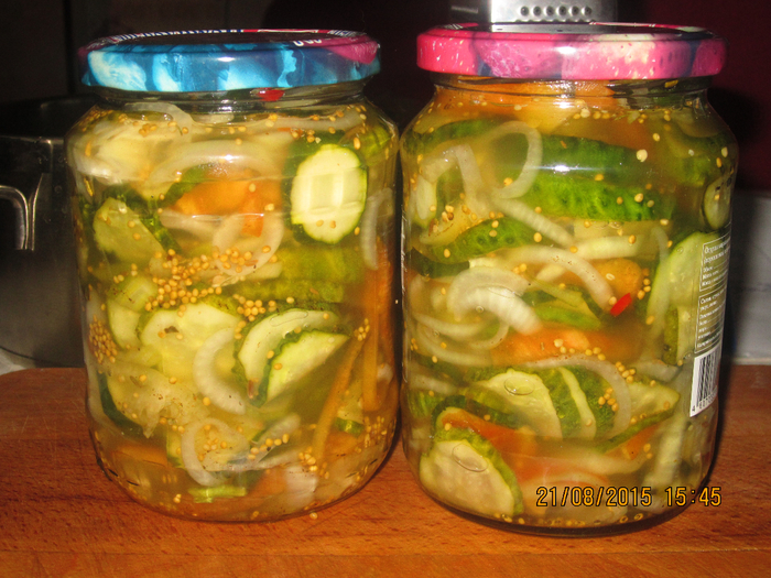 Салат из свежих огурцов по-американски (овощи получаются очень ядрёными и хрустящими, как-будто только что сорвали …)