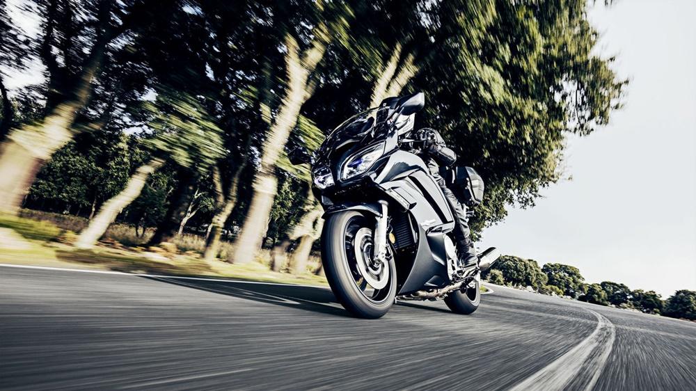 Спортивно-туристический мотоцикл Yamaha FJR1300A/AE/AS 2016