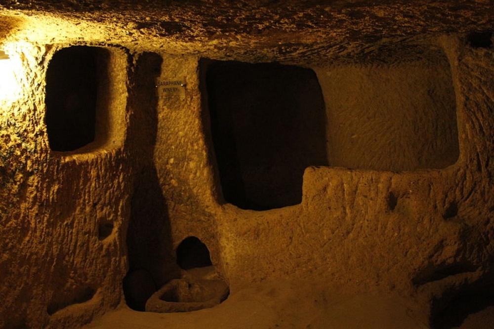 Мужчина ремонтировал дом и обнаружил целый подземный город