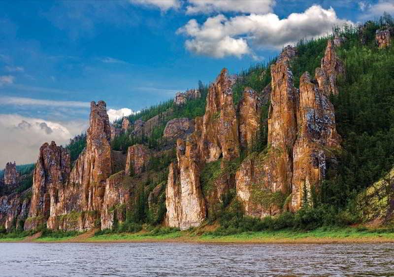 Красоты России. Национальный парк Ленские Столбы в России.
