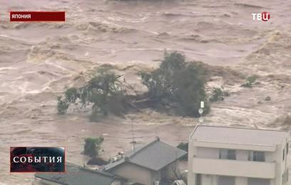 В Японии из-за сильных ливней эвакуированы 100 тысяч человек