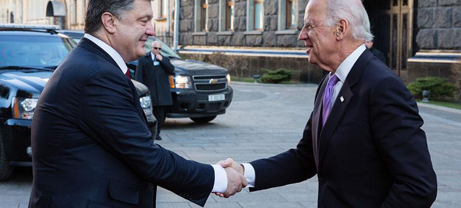 ЭКСПЕРТ: Киев возвращают в Минск