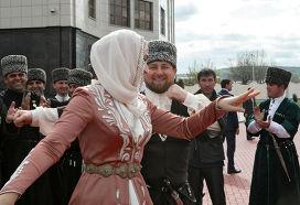 Глава ЧР Рамзан Кадыров принял участие в торжествах, посвященных Дню чеченского языка