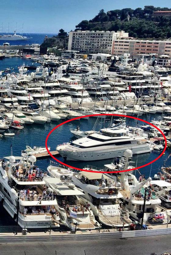 Британский миллиардер подарил русской жене Кристине Сысоевой 50-метровую яхту