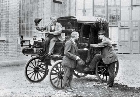 первый извозчик на автомобиле