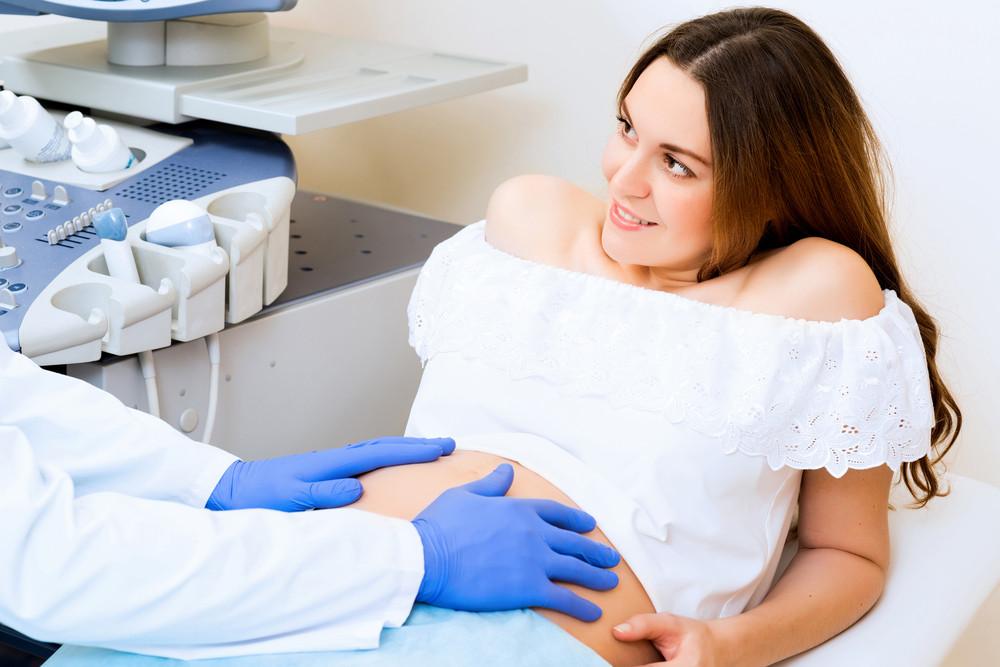 Как отбиться от врачей: памятка для беременных и мам