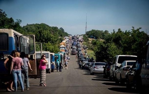 Донбасс продолжает кормить Украину. Теперь – взятками на блок-постах