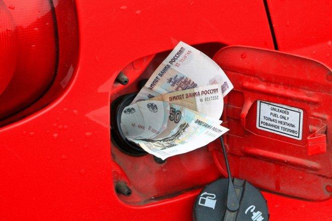В правительстве решили увеличить субсидии нефтяникам, чтобы не допустить роста цен на бензин