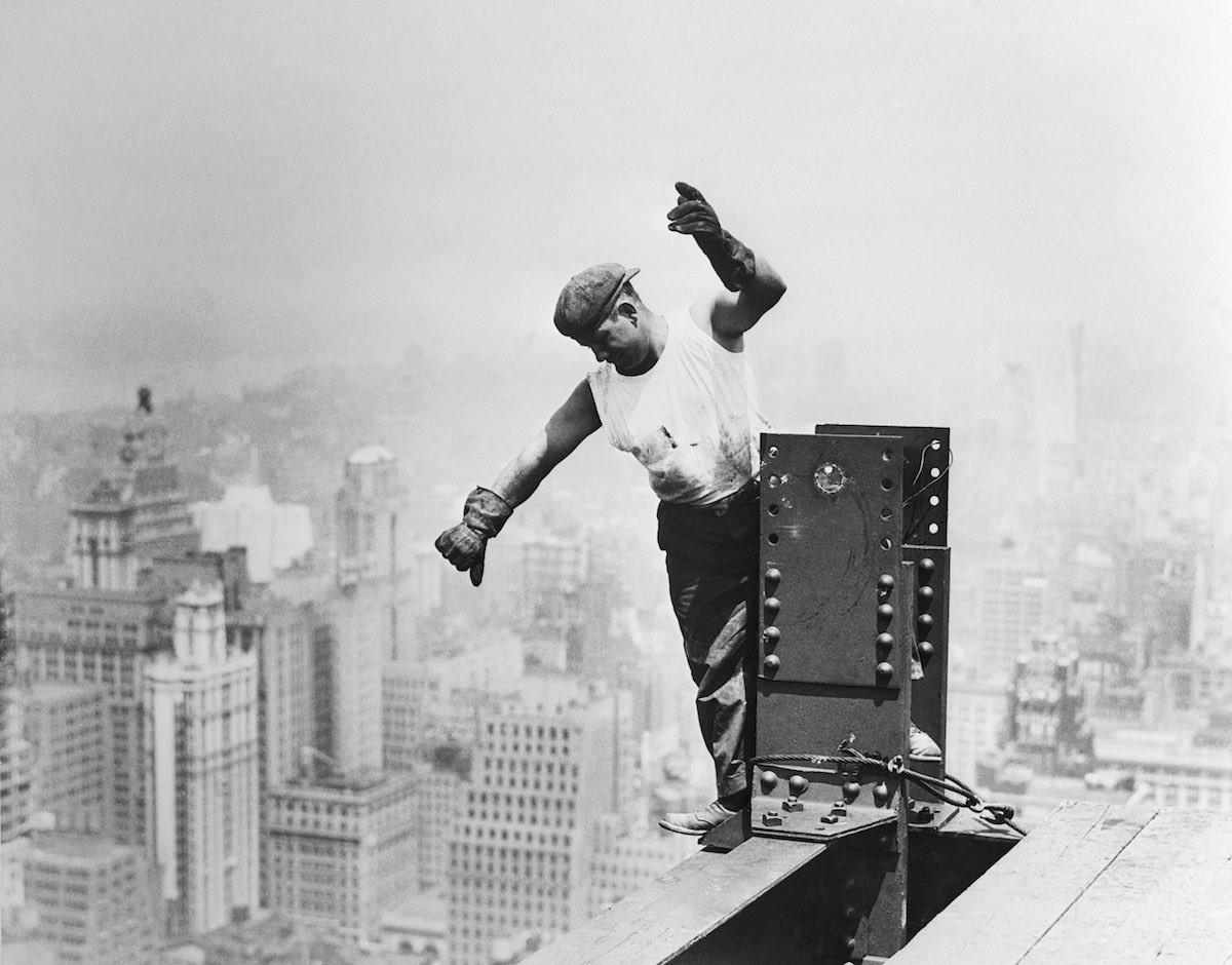 15 захватывающих фото о том как строились небоскрёбы Нью-Йорка