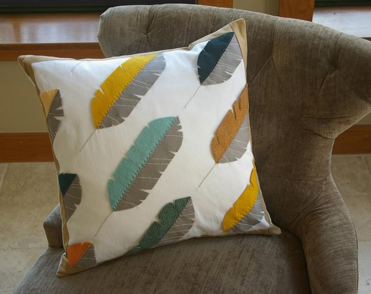 Подушка с перьями (DIY)