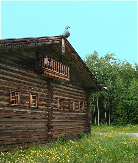 Красивые деревянные домики русского Севера. Срубы, избы, бревенчатые дома... Красота, лепота. Жалко только строить разучились...