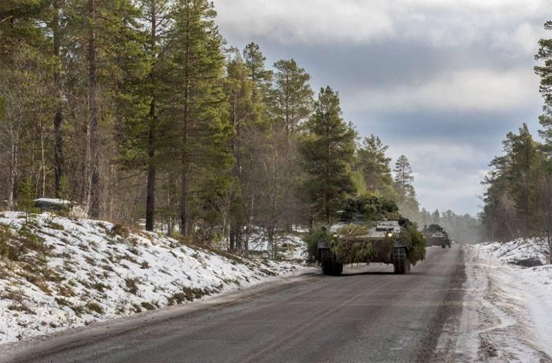 Западные СМИ: НАТО подталкив…