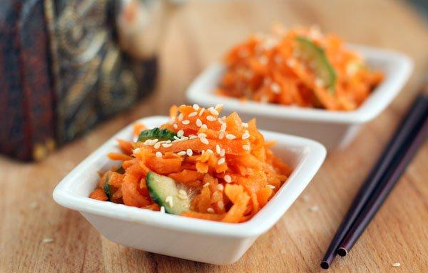 Салат из моркови с овощами