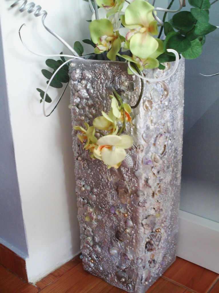 Как сделать цветы на напольную вазу 934