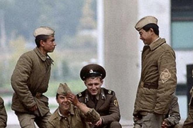 Кого не любили в советской армии