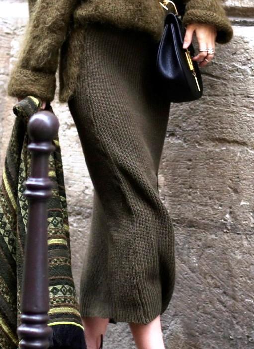 Необходимая вещь сезона. С чем носить вязаную юбку?