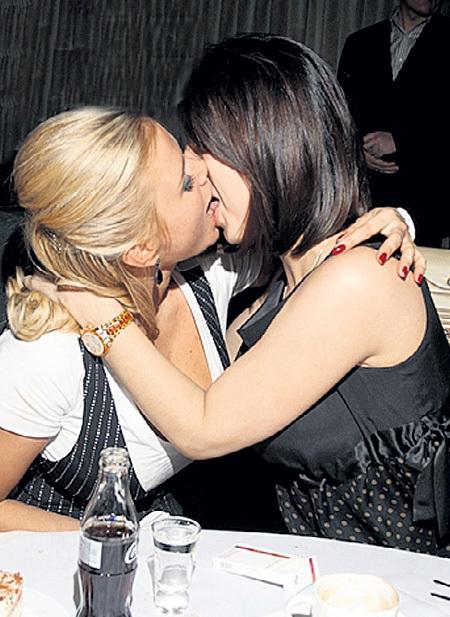 Лесбиянки в российском шоу бизнесе надо