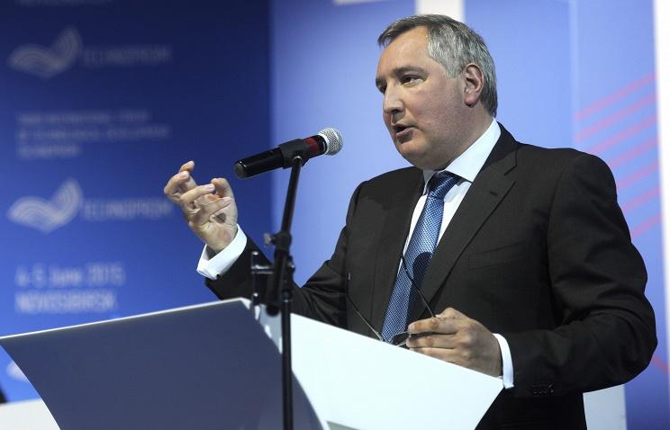 """Рогозин: расширением санкций против РФ Канада """"угробила"""" перспективы своего авиапрома"""