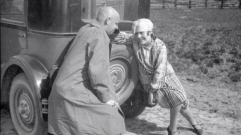Маяковский и Лили Брик. О том, как женщины теряют берега Маяковский, авто, девушки, история, ссср, факты