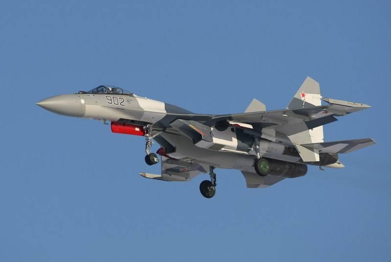 Business Insider: американский F-22 не противник российскому Су-35