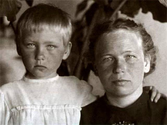 21. Ия Саввина с мамой Верой Ивановной история, факты