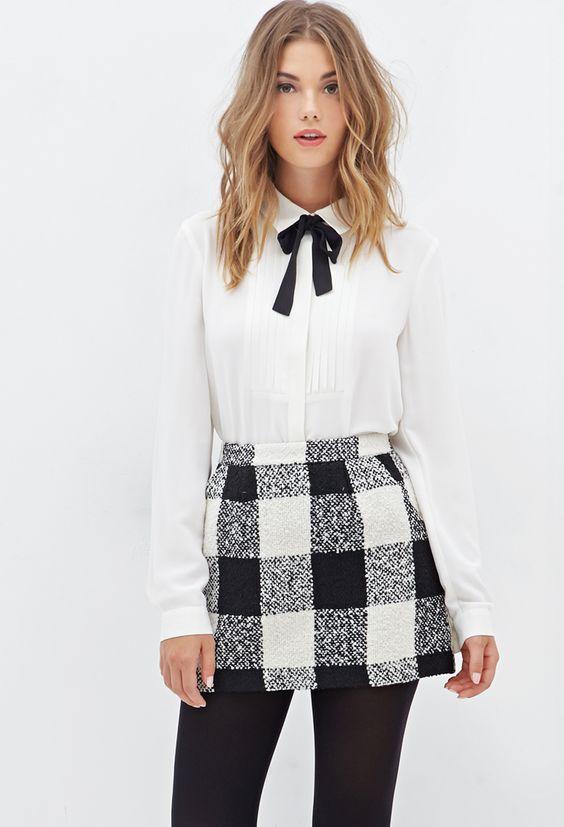 Белая блузка с чёрным бантом: 7 красивых стилевых решений