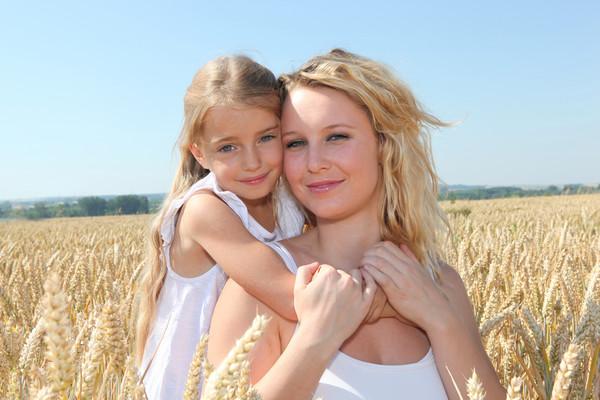 Дочка и мама
