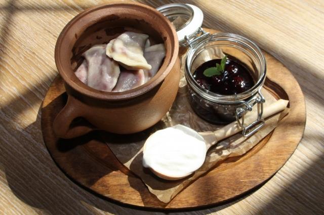 Рецепты по четвергам. Сладкие вареники. Вареники с вишней (В. 2)