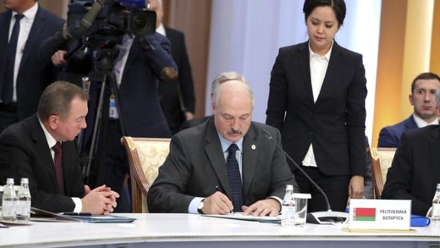 """""""А зачем нам нужен Лукашенко…"""