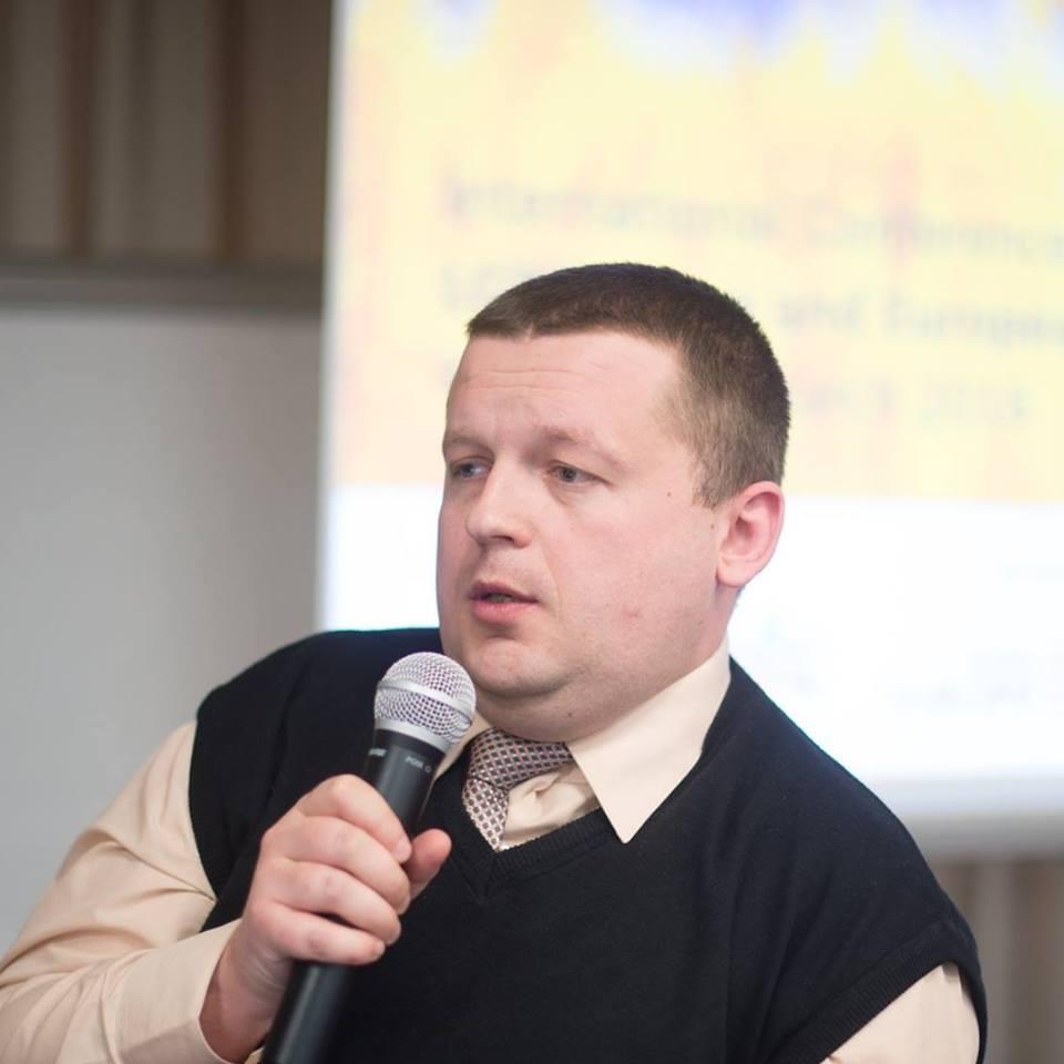 Украинский юрист подал в суд на Порошенко за нарушение конституционных прав украинцев