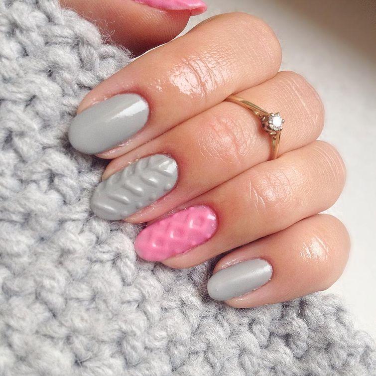 «Вязаные» ногти – уютный тренд в маникюре, который идеально сочетается с зимним свитером