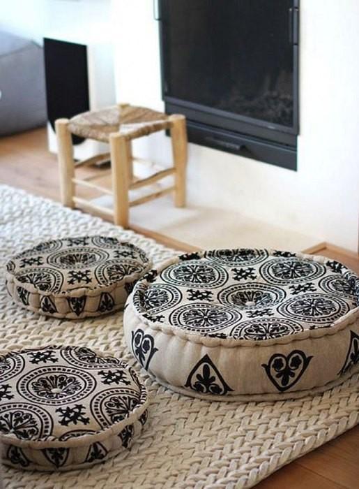 Причины, по которой стоит выкинуть диван из малогабаритки: [b] Причина №6:[/b] разнообразие предметов мебели, которыми можно заменить диван.