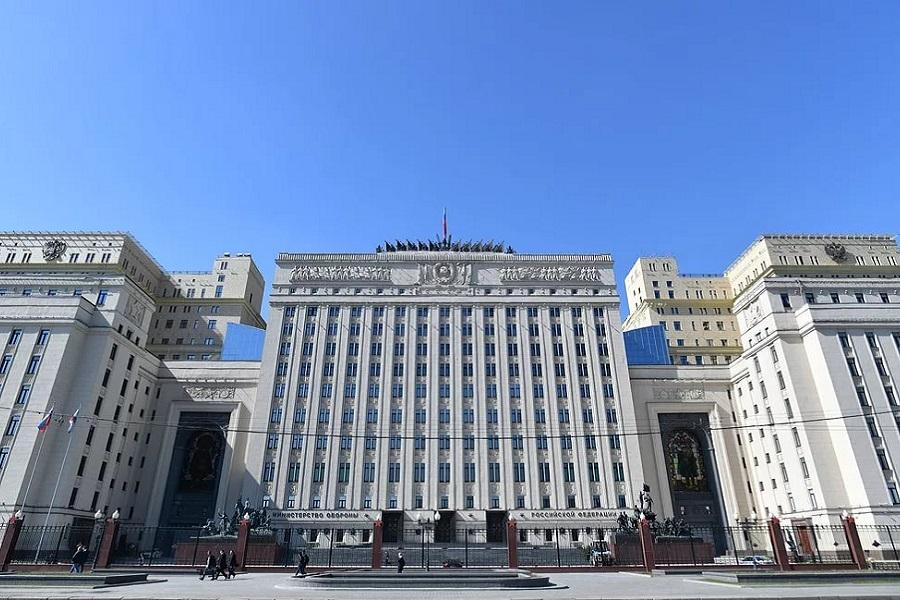 Гражданин Англии исключен из совета при Минобороны России