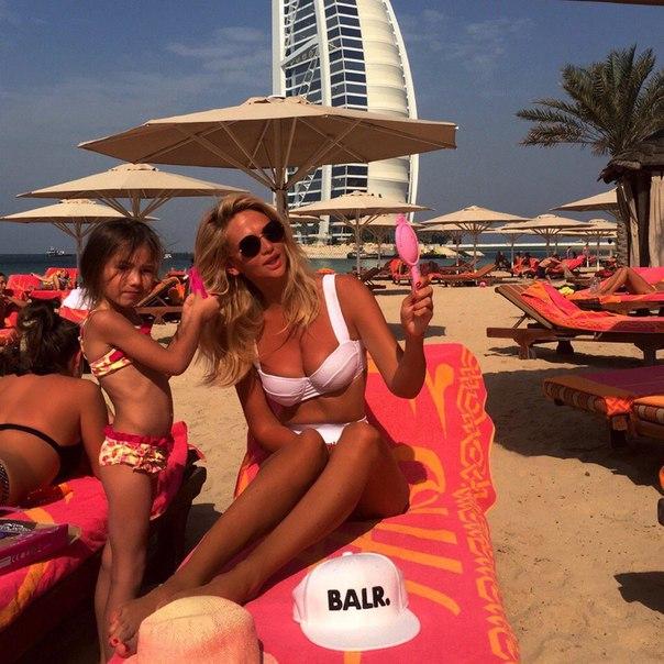 Фото Лопыревой на краю пропасти в Дубае вызвало фурор в соцсетях