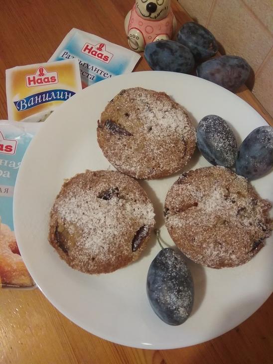 Зерновые кексы со сливой