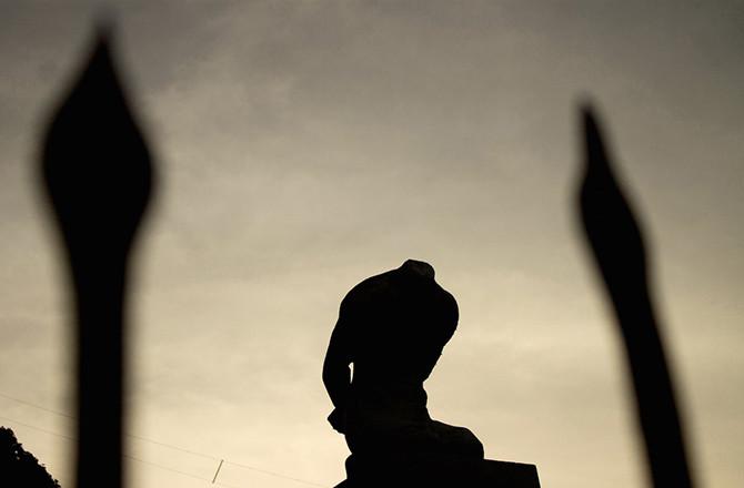 5. Безголовая статуя статуи, ужас