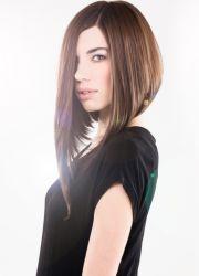 Удлиненное каре - это промежуточный вариант для женщин, которые хотят иметь длинные волосы, но не имеют достаточно...