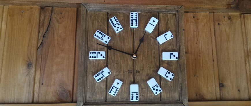 часы на дачу из бросового материала