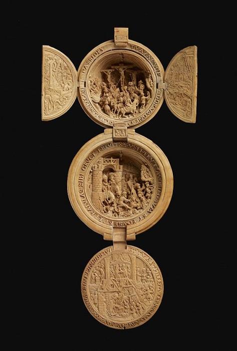 Средневековая миниатюра «Распятие Христа».
