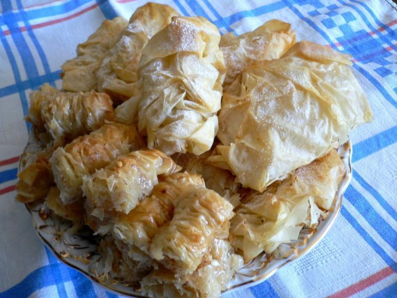 """Пирожки """" Бантики""""  яблочные из теста фило"""