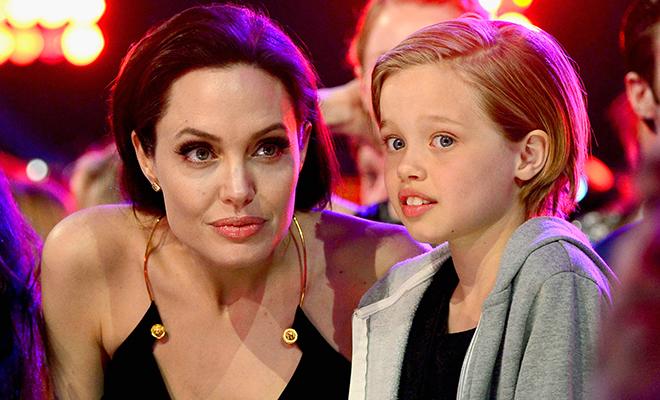 СМИ: Анджелина Джоли использует детей, чтобы добиться лучших результатов в бракоразводном процессе с Брэдом Питтом
