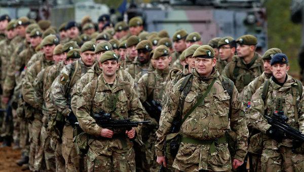 """FT: Британия отправит солдат в Прибалтику """"для защиты от России"""""""
