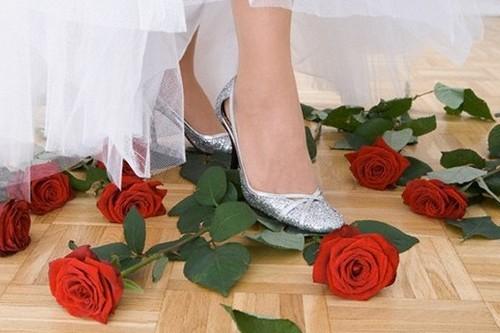 Приметы, связанные со свадебным платьем невесты