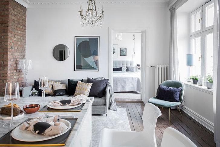 Симпатичная двухкомнатная квартира в белом (53 кв. м)